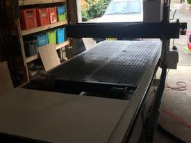 CNC Router with Twin Spindles/ Vacuum Table/ Rotary Axis - picture9' - Click to enlarge