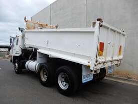 Mitsubishi FV Road Maint Truck - picture2' - Click to enlarge