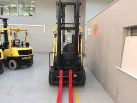 4 Wheel Battery Electric Counterbalance Forklift - picture2' - Click to enlarge