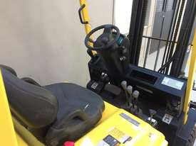 4 Wheel Battery Electric Counterbalance Forklift - picture5' - Click to enlarge