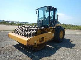 2005 CAT CP563E Single Drum Vibrating Padfoot Roller - picture0' - Click to enlarge