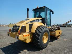 2005 CAT CP563E Single Drum Vibrating Padfoot Roller - picture2' - Click to enlarge