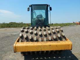 2005 CAT CP563E Single Drum Vibrating Padfoot Roller - picture4' - Click to enlarge