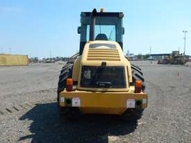 2005 CAT CP563E Single Drum Vibrating Padfoot Roller - picture8' - Click to enlarge