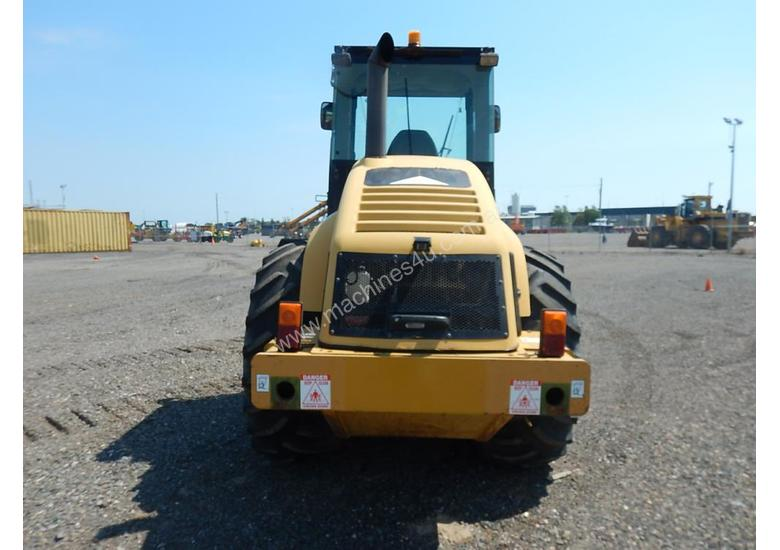 2005 CAT CP563E Single Drum Vibrating Padfoot Roller