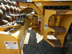 2005 CAT CP563E Single Drum Vibrating Padfoot Roller - picture12' - Click to enlarge