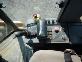 2005 CAT CP563E Single Drum Vibrating Padfoot Roller - picture15' - Click to enlarge