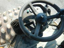 2005 CAT CP563E Single Drum Vibrating Padfoot Roller - picture16' - Click to enlarge