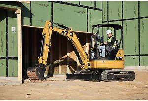 CATERPILLAR 303.5E CR MINI HYDRAULIC EXCAVATOR + $500 THUMB UPGRADE OFFER TO Dec 31 2020