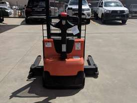 BT SWE120S 1.2T ELECTRIC WALK BEHIND FORKLIFT  - picture3' - Click to enlarge