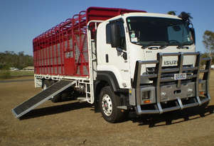 Isuzu FXY 240-350 Stock/Cattle crate Truck
