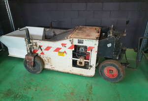 Arrow 770 kerb machine with 5 moulds
