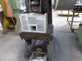 METAL PRESS 25TON - picture2' - Click to enlarge