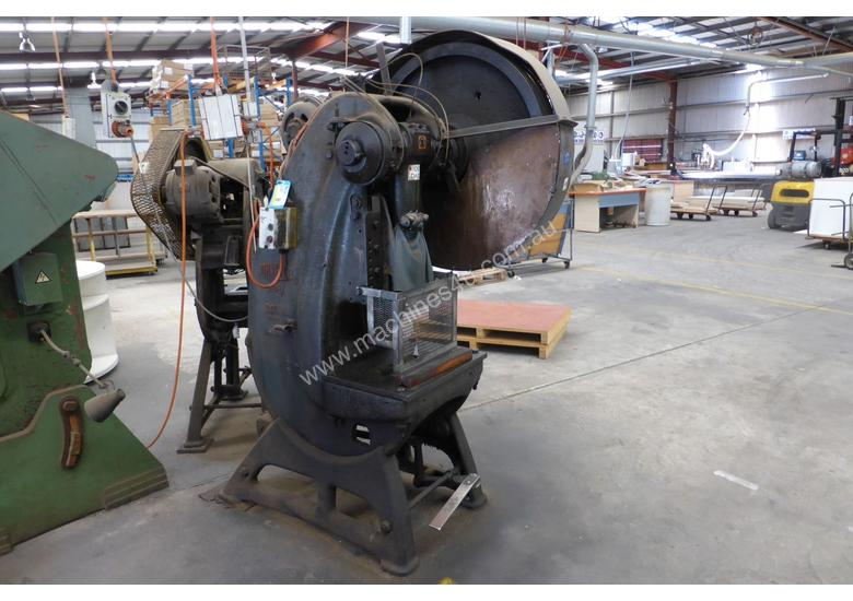 METAL PRESS 25TON