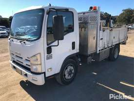 2010 Isuzu NQR450 Medium - picture2' - Click to enlarge