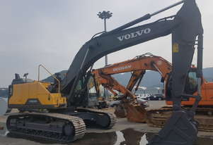 VOLVO EC300EL EXCAVATOR WITH AIR CON ROPS CABIN, EX DEMO (160 HOURS), HAMMER PIPED, LONG CARRIAGE