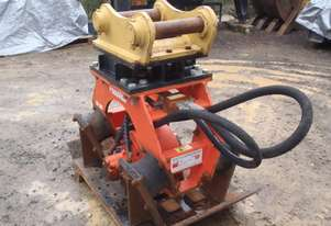 Compaction Plate CP301 Pneuvibe