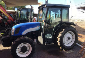 New Holland    FWA/4WD Tractor