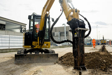Cat B1 Hammer suitable for 1-2t Excavator - own from $37per week*