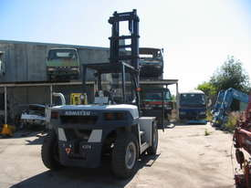 8 Tonne Forklift - picture4' - Click to enlarge