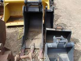 VARIOUS Other Bucket-Rock Attachments - picture2' - Click to enlarge