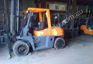FORKLIFT TCM TOYOTA CROWN FD70Z8 HIRE OR BUY