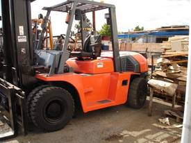 FORKLIFT TCM TOYOTA CROWN FD70Z8 HIRE OR BUY - picture2' - Click to enlarge