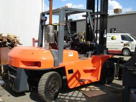 FORKLIFT TCM TOYOTA CROWN FD70Z8 HIRE OR BUY - picture3' - Click to enlarge
