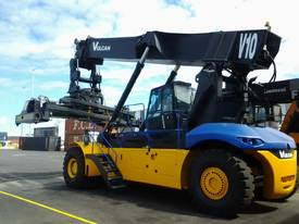 2012 Low Hours Ex-Lease Linde Mk5 Reach Stacker