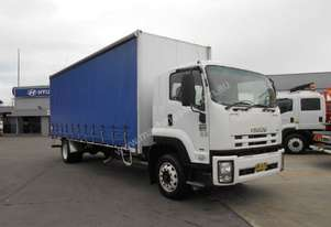 Isuzu 2011   FTR 900 LONG