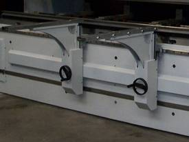 DERATECH PRESS BRAKE -- SOLD - picture17' - Click to enlarge