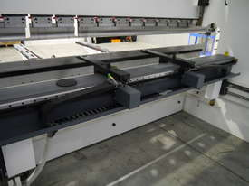 DERATECH PRESS BRAKE -- SOLD - picture13' - Click to enlarge