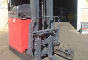 Linde Narrow Aisle Reach Truck