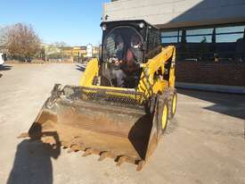 USED 2015 CAT 226D SKID STEER WITH LOW 700 HOURS - picture2' - Click to enlarge