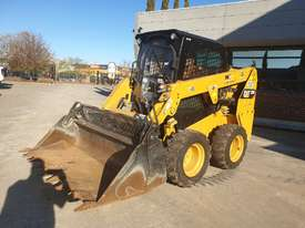 USED 2015 CAT 226D SKID STEER WITH LOW 700 HOURS - picture4' - Click to enlarge