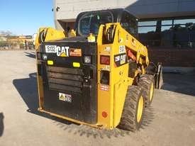 USED 2015 CAT 226D SKID STEER WITH LOW 700 HOURS - picture10' - Click to enlarge