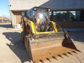 USED 2015 CAT 226D SKID STEER WITH LOW 700 HOURS - picture15' - Click to enlarge