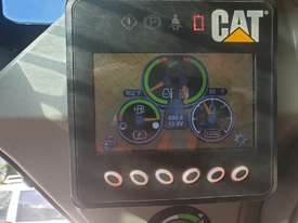 USED 2015 CAT 226D SKID STEER WITH LOW 700 HOURS - picture18' - Click to enlarge