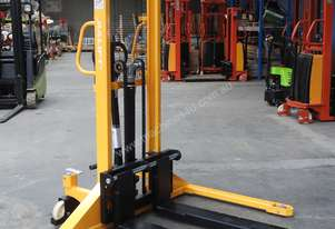 1T Straddle Leg Manual Stacker/Lifter Lift Height 1600mm