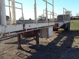 Fruehauf Semi Flat top Trailer - picture7' - Click to enlarge