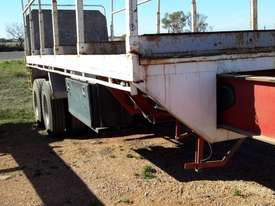 Fruehauf Semi Flat top Trailer - picture8' - Click to enlarge