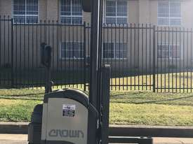 Crown walkie stacker - Fully refurbished  - picture0' - Click to enlarge