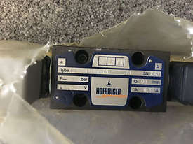 Hydraulic Directional Control Valve - picture1' - Click to enlarge