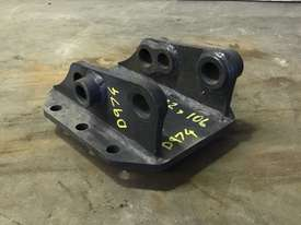 DUAL SIZE HEAD BRACKET TO SUIT 0-2T EXCAVATOR D974 - picture0' - Click to enlarge