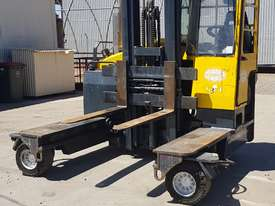 Combilift C4000 Multi directional side loader 4tonne - picture2' - Click to enlarge