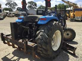 New Holland Compact Grader - picture0' - Click to enlarge