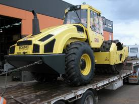 BOMAG BW219PDH-4 VIBRATING PAD FOOT ROLLER - picture1' - Click to enlarge