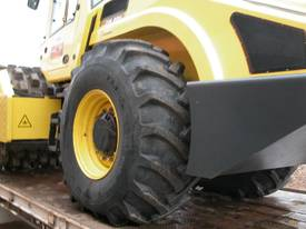 BOMAG BW219PDH-4 VIBRATING PAD FOOT ROLLER - picture6' - Click to enlarge