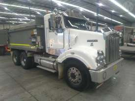 Kenworth T404SAR - picture0' - Click to enlarge