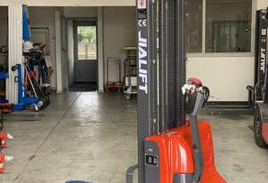 1T Full Electric Walkie Stacker Lift Height 3500mm Walking Behind